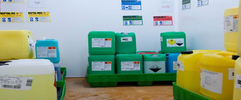 Produits chimiques utilisés dans les fontaines de nettoyage